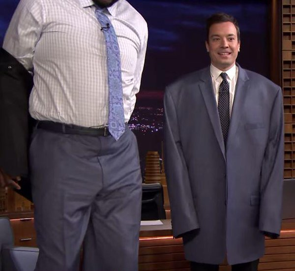jimmy fallon trying on shaquille o'neal's clothing | shortguycentral