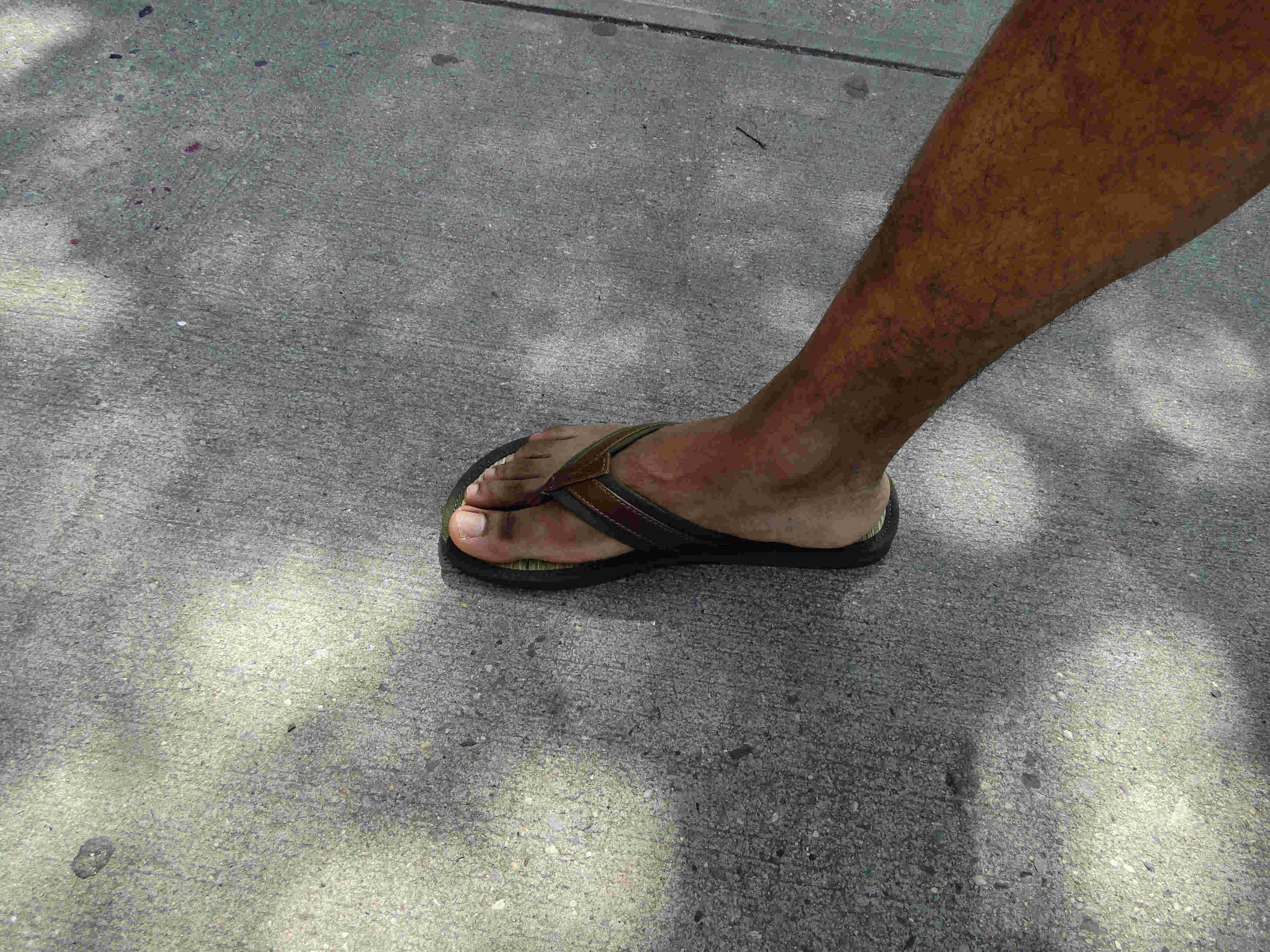 Summer Style For Short Men: Sandals/Chanclas | ShortGuyCentral