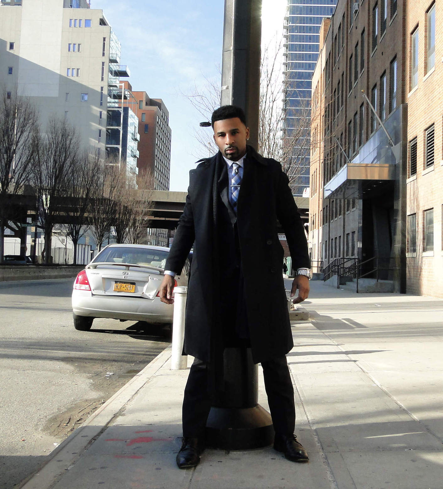 Indochino Suit And H&M Top Coat | Harold Everton | ShortGuyCentral
