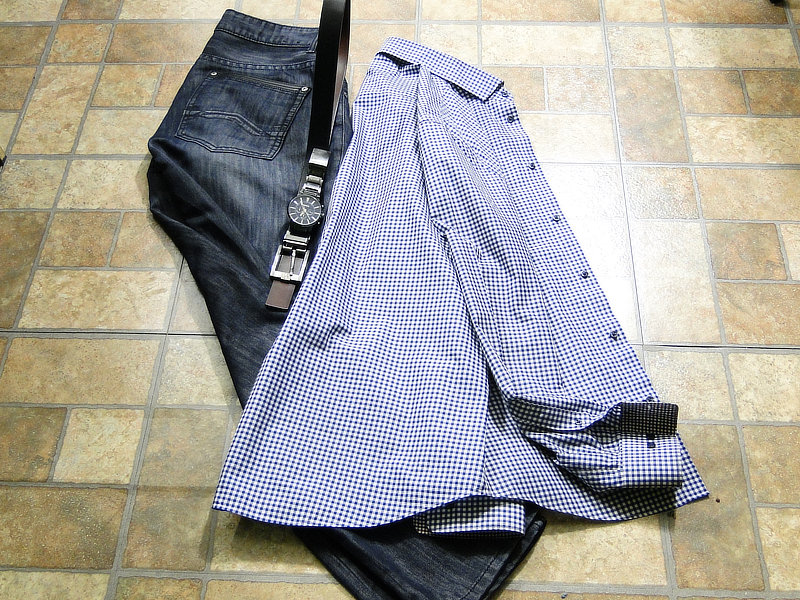 Fashion For Short Men: Winter Macys Denim, Belts & H&M Shirt | ShortGuyCentral